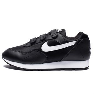 NEW Nike Outburst V Runner Sneaker Velcro size 8